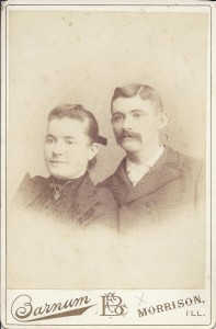 Couple photographed by Barnum Photographer of Morrison, Illinois